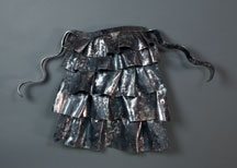 "Ruffled apron | 22"" x 32 1/2"" x 6"" Forged steel"